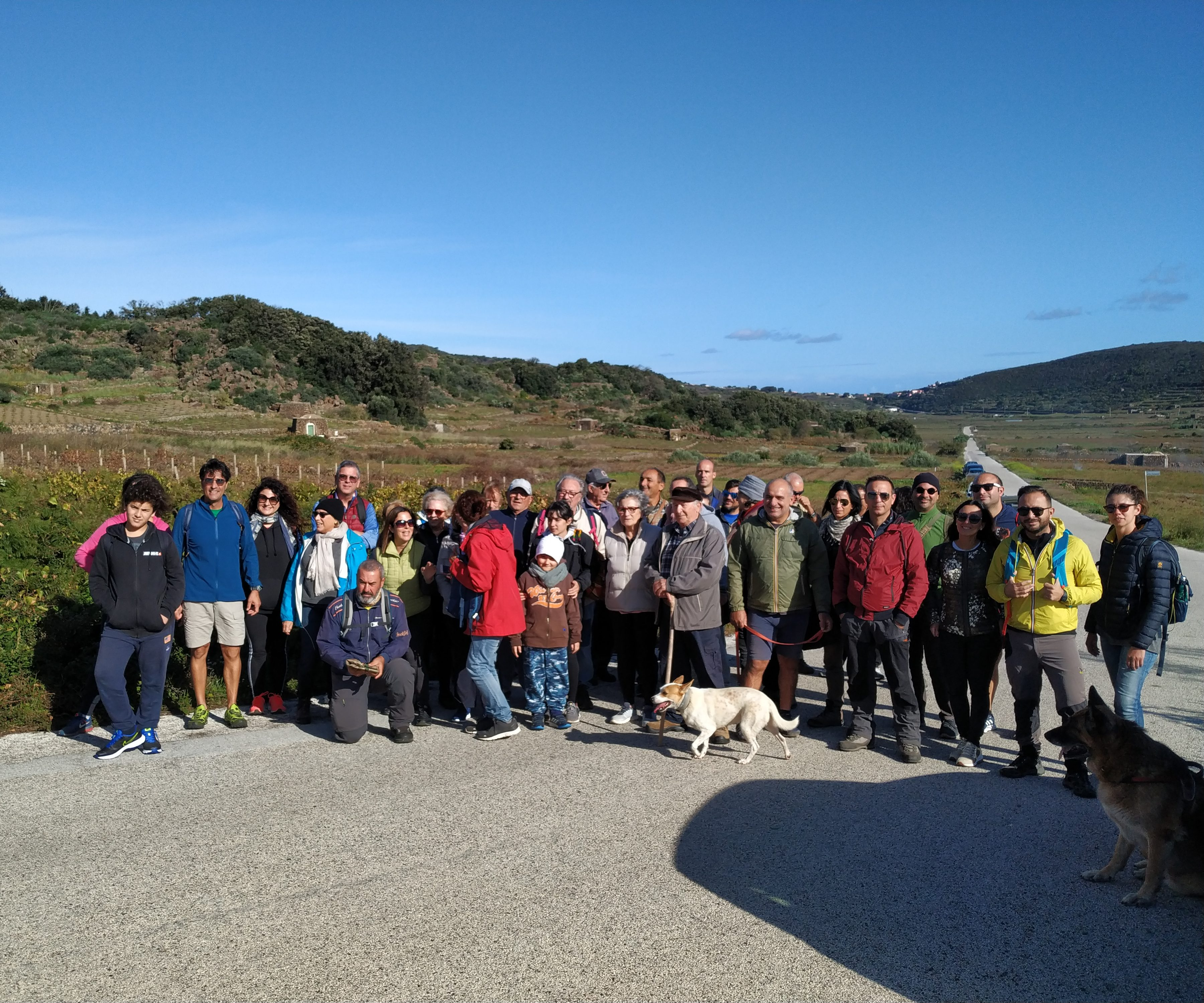 Il gruppo escursionistico poco prima di partire